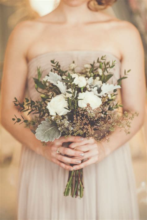11 Perfectly Pretty Fall Wedding Bouquets