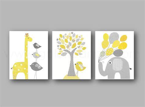 déco chambre bébé stickers emejing decoration chambre bebe jaune et gris images