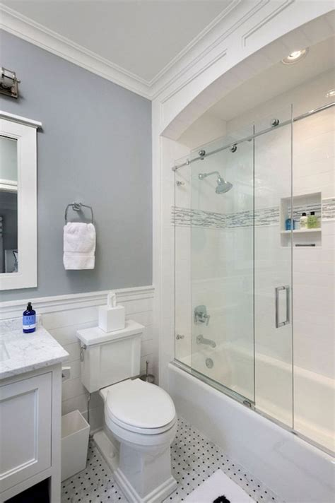 Small Bathroom Remodel by Best 25 Small Bathroom Remodeling Ideas On