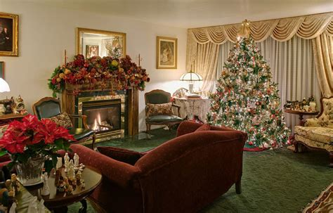 Beautifully Living Room Decorated For Christmas Pictures