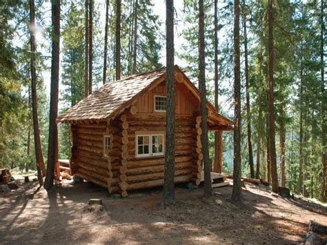 small cabins for in small log cabins with lofts small log cabin floor plans