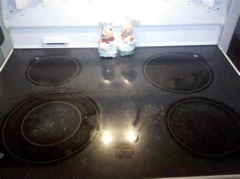 Cleaning Ceramic Stovetops