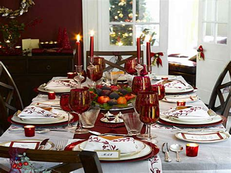 how to decorate your dining room table for christmas 12 nice photos christmasdiningtable decor dining decorate