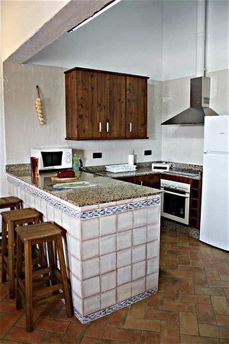 cocina  barra americana picture  casas rurales elanio