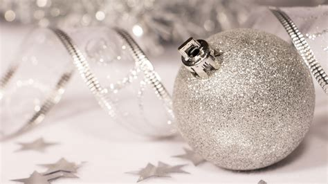 hd silver sparkly christmas bauble wallpaper