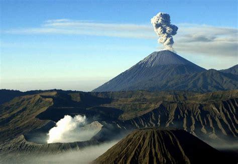 pendakian gunung semeru katalog tempat wisata liburan