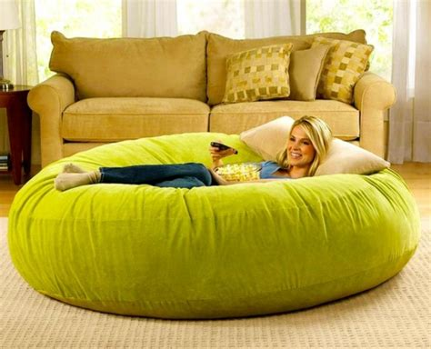 canapé géant le pouf géant un coussin de sol amusant et confortable