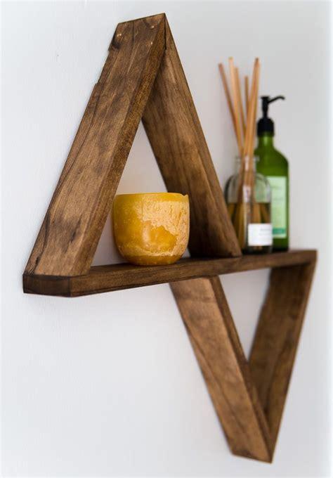 triangle shelf diy plans pallets   woodworking