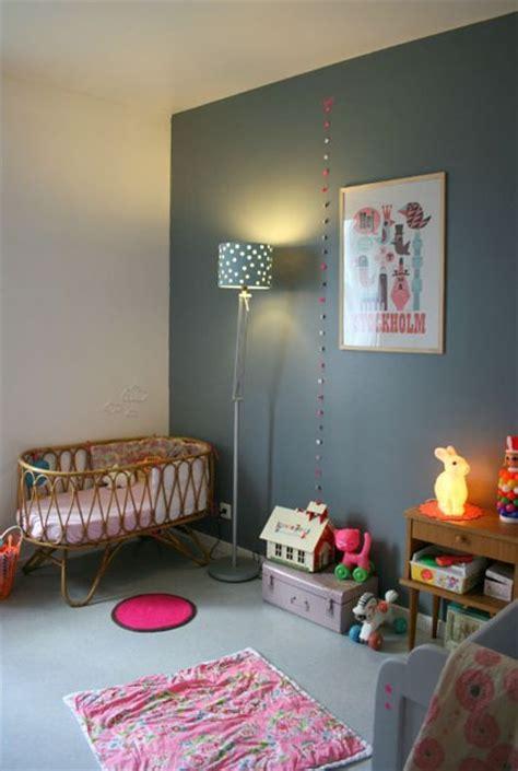 chambre mur gris murs gris dans une chambre d 39 enfant