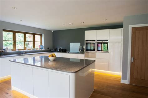what are the best tiles for kitchen floors 207 best images about kitchen on farrow 9908