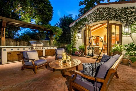 18 Charming Mediterranean Patio Designs To Make Your
