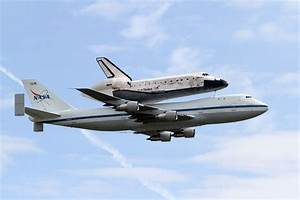 Space Shuttle Discovery Performs Final Flyover | ARLnow.com
