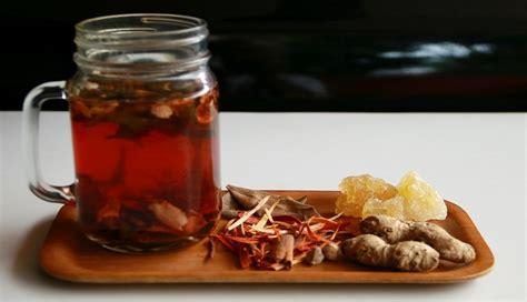 wedang uwuh minuman rempah khas angkringan yogyakarta
