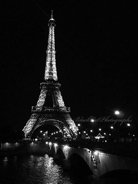 picture eiffel tower photo black and white