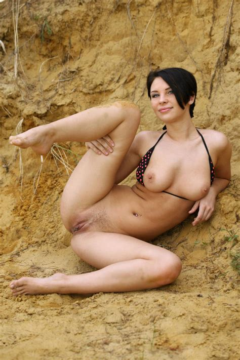 Short Hair Brunette Takes Off Swimsuit To Show Her Sweet Pussy Russian Sexy Girls