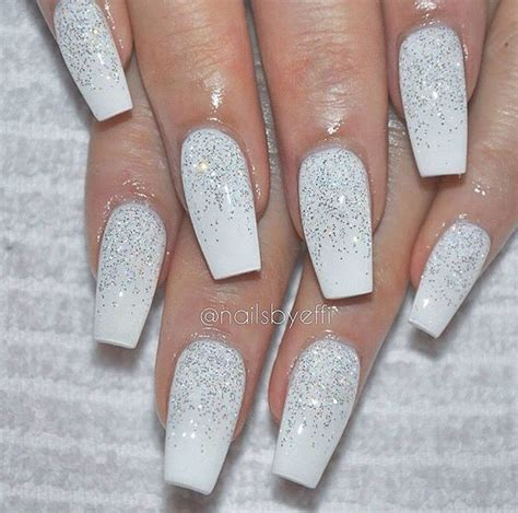 white sparkly acrylics nails christmad nails chistmas