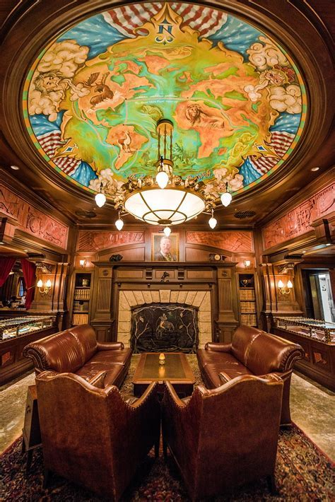 Teddy Roosevelt Lounge Review   Disney Tourist Blog