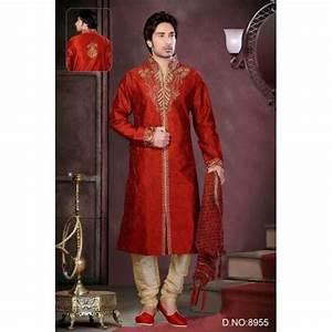 Tenue Indienne Homme : tenue indienne sherwani en rouge carlate ~ Teatrodelosmanantiales.com Idées de Décoration