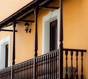 1001 tolle ideen fur balkonuberdachung aus holz With französischer balkon mit gartenzaun bauen lassen