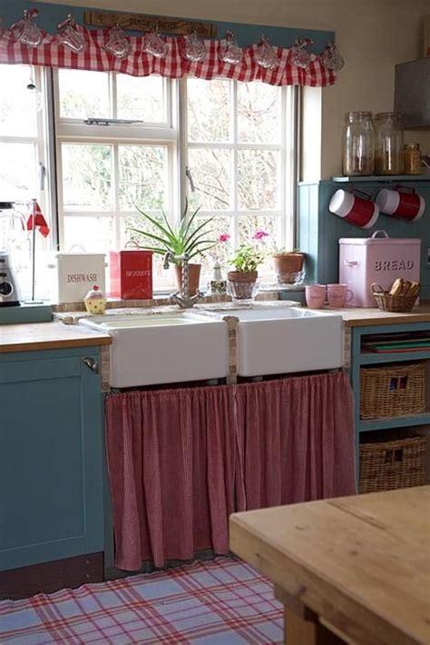 country kitchen me les 23 meilleures images du tableau rideau sous evier sur 6104
