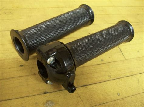 Vintage Nos Motorcycle Twist Throttle And Grips 7/8