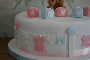 lauralovescakes...: Baby Shower Cake