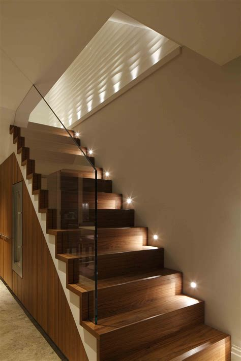 decoration escalier maison staircase lighting design by cullen lighting