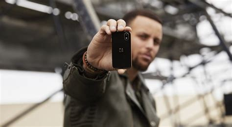 palms comeback does the companion phone make sense credit card sized palm phone can be the iphone companion
