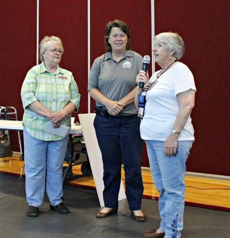 Zobacz więcej postów strony lake and mountain quilters guild na facebooku. West Pasco Quilters Guild donates Scholarship Funds ...