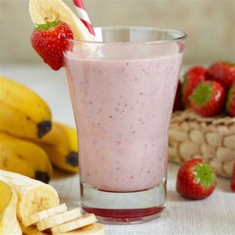 A refreshing smoothie made with homemade almond milk and fresh frozen banana, another way to enjoy the goodness of almond milk! Almond Milk Smoothie For Diabetics / Banana almond milk smoothie ...
