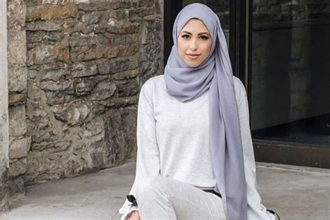 style baju hitam putih hijab tutorial hijab terbaru