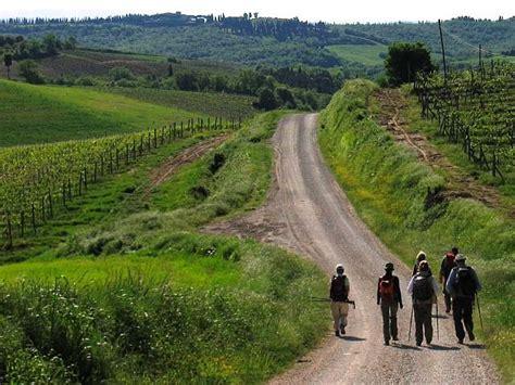 Via Francigena patrimonio Unesco, il primo sì - Canale 3 ...