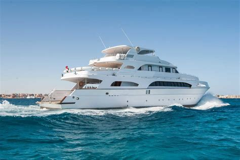 How Much Does A Yacht Cost? 20 Examples