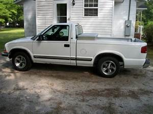 Sell Used 2000 Chevy S10 Pick Up Truck  Guc  In Clio