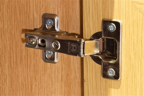 replacing kitchen cabinet hinges with concealed hinges