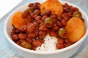 Puerto Rican Rice and Beans (Habichuelas Guisadas ...