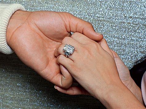 kim kardashians wedding rings kris humphries to auction off kim s engagement ring one