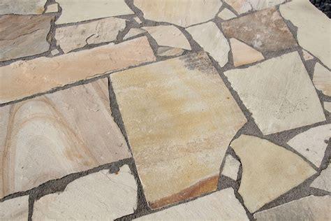 Betonmauer Mit Natursteinen Verkleiden by Bildergebnis Fr Betonmauer Mit Natursteinen Verkleiden Garden