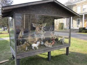 ways  care   outdoor christmas  garden