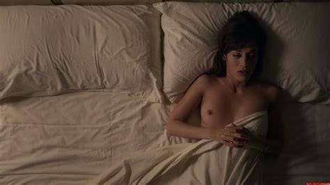Lizzy Caplan Nudes Leaked Online Will Blow Your Mind 34