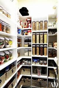 Khloé Kardashian Has the World's Most Organised Pantry