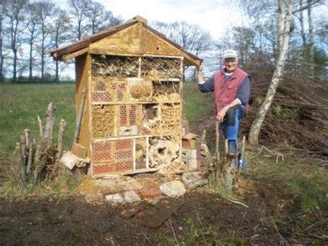 insektenhotel selber machen insektenhotel selber bauen angelblog