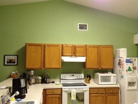kitchen cabinets vaulted ceiling what can i do with cabinets in a kitchen with vaulted 6439