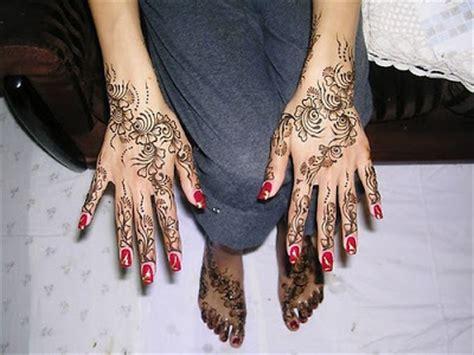 mehndi seni tattoo indah  india beritauniknet
