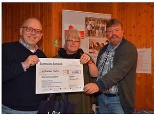 Geschenk Für Gastgeber : integrationsfest 2015 funkenartillerie blau wei gewinnt integrationspreis integrationsbeirat ~ Sanjose-hotels-ca.com Haus und Dekorationen