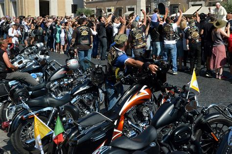 Pope Francis Blesses 35,000 Motorcycle Riders At St. Peter