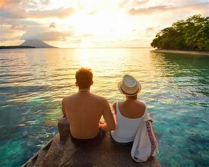 Couples Vacation Married Honeymoon Travel Couple Resort