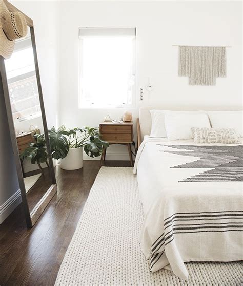25+ best ideas about Minimalist bedroom on Pinterest