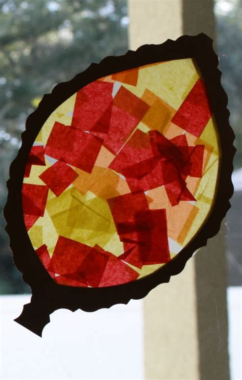 fall craft for toddlers and preschoolers leaf sun catcher 494 | Fall Craft