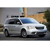 2012 Chrysler Town & Country Review Specs Pictures